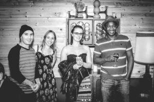 Slide Inn Black & White